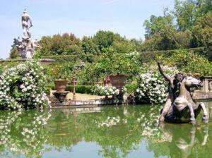 Italy2005_BobiliGarden3.jpg