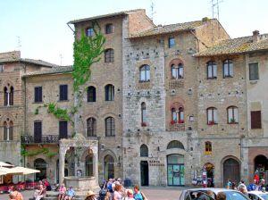 Italy2005_Colleoli_Volterra6._96dpi.jpg