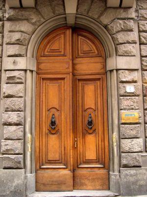 Italy2005_Florence_Door1_96dpi.jpg