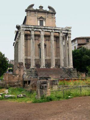 Italy2005_Ruins_0041.jpg