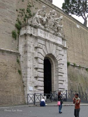 Italy2005_VaticanMuseum_0066_96dpi.jpg