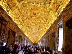 Italy2005_VaticanMuseum_0088_96dpi.jpg