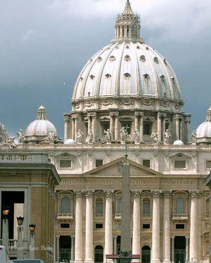 Italy2005_Vatican_StPeter1_96dpi.jpg