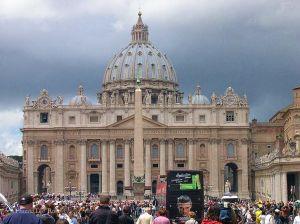 Italy2005_Vatican_StPeter2_96dpi.jpg